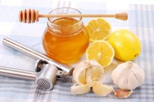Очистка сосудов от холестерина чесноком, лимоном, медом